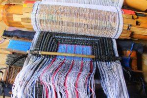 Making head scarf of Long-tunic Dao