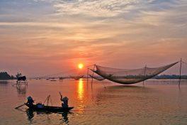 Early morning at Duy Hai fish market