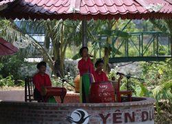 water-puppet-show-at-yen-duc-village_30718355352_o